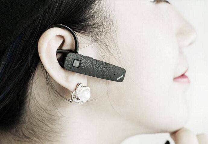 Dianggap Sama, Inilah Bedanya Headset, Headphone, Earphone, Handsfree, Dan Backphone