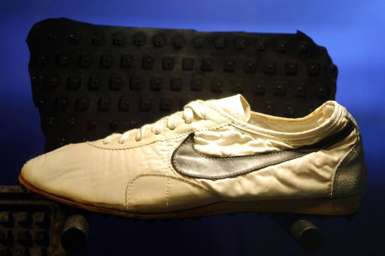 Sebelum Menjadi Raksasa Industri Sneakers, Nike Cetak Sol Sepatu Pakai Mesin Waffle