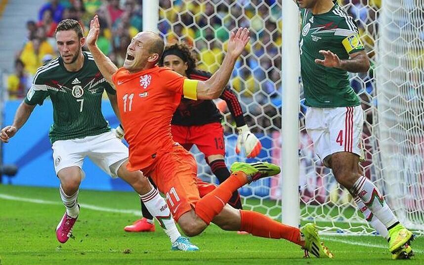 5 Penyerang Sepakbola Terburuk di Dunia, Ada yang Hanya Besarkan Perut