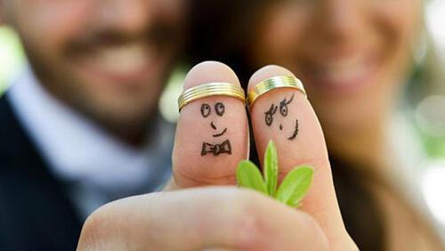 Viral, Kisah Sang Istri Mencarikan Suami Istri Kedua, Dan Ini Reaksi Sang Suami.