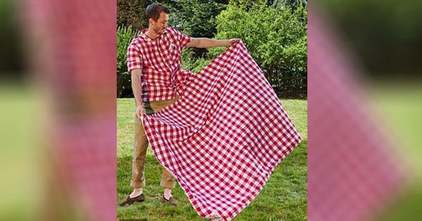 Repot Bawa Taplak Saat Ingin Piknik? Gunakan Kemeja Taplak dari KFC Aja! Praktis!