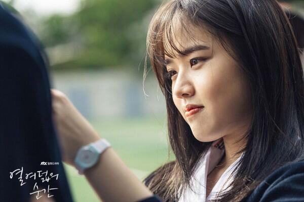 8 Potret Imutnya Kim Hyang Gi Perankan Siswi SMA di KDrama