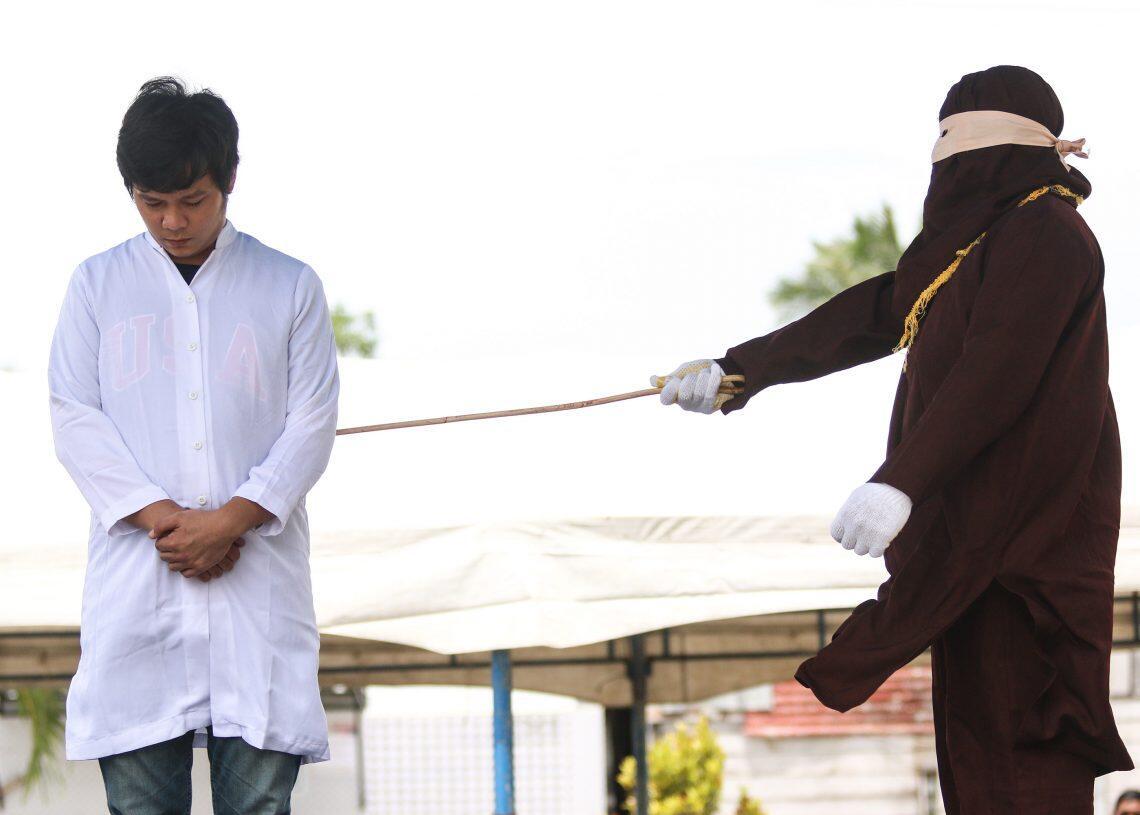 Umat Budha Dicambuk di Aceh karena Ikhtilath