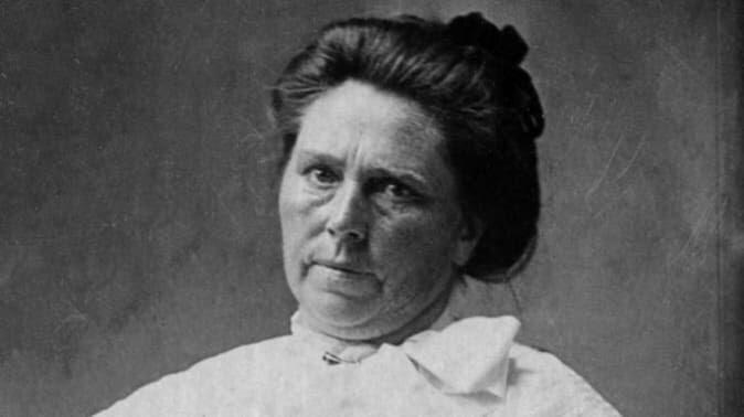 Darah!!! Sejarah Pembunuh Berantai: Dokter Kematian & Tante Janda Pembantai