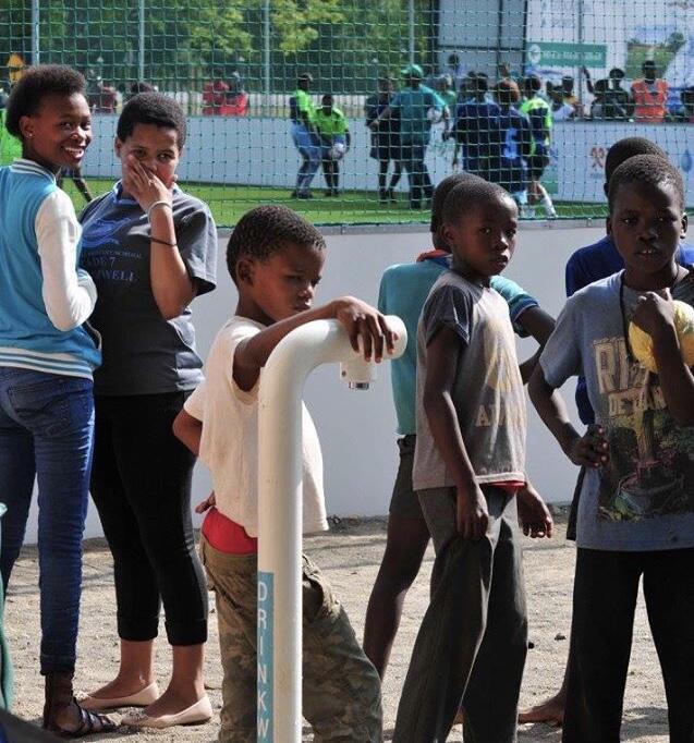 Wah Keren, Lapangan Bola ini Jadi Sumber Air di Afrika