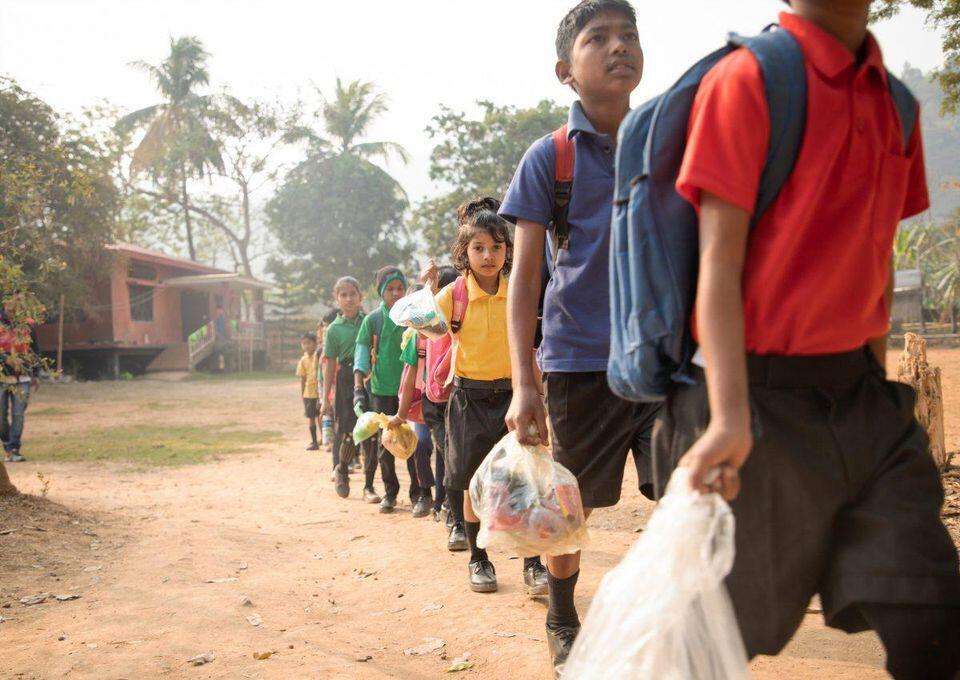Bayar SPP pake Sampah, Keren Juga Sekolah di Negara Ini!