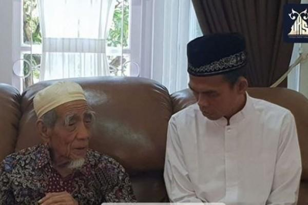 Mbah Moen Meninggal, Abdul Somad: Orang Terbaik di Tempat Terbaik