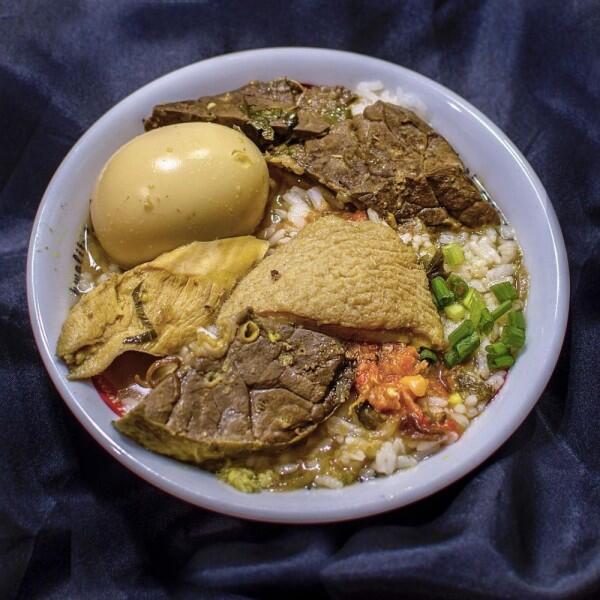 5 Rekomendasi Soto Daging di Surabaya yang Bakal Bikin Kamu Ketagihan