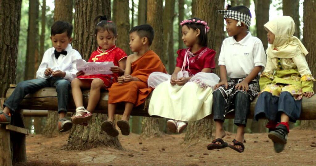 Kepada Siapa Lagi Hati Ini Mendekap Kalau Bukan Kepadamu, Indonesia
