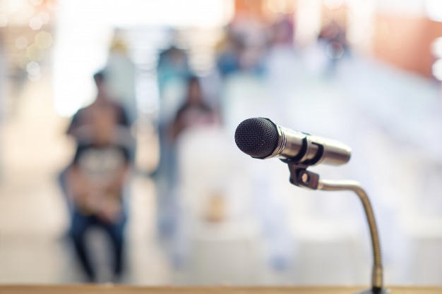 Memahami Mcam-macam MC dan Perbedaannya dengan Public Speaking