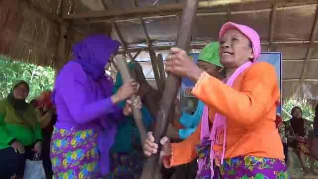 Tradisi di Sini Mulai dari Perang Nasi sampai Nikah sama Peri pun Ada Gan!