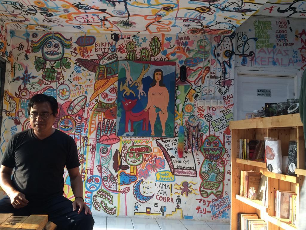 ATELIR CEREMAI, Tempat Ngopi Anak Indie Pecinta Kata