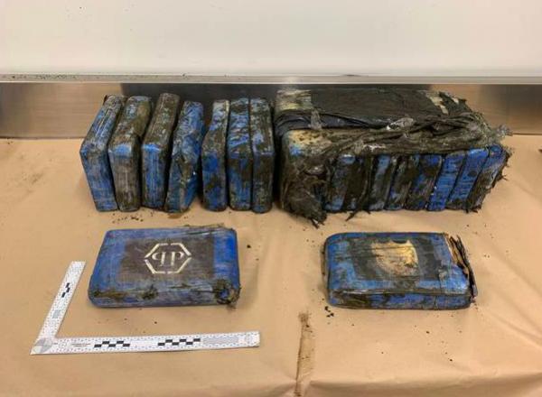 Kokain Senilai Rp28 Miliar Terdampar di Pantai Selandia Baru