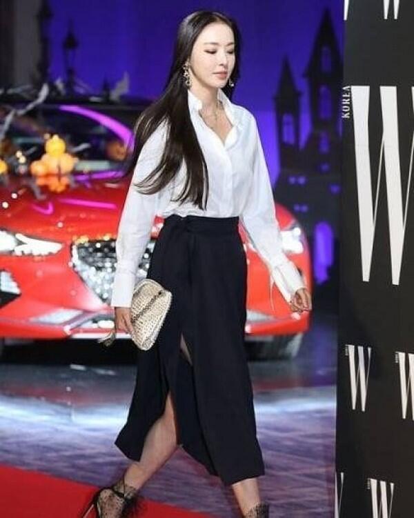 10 OOTD ala Lee Da Hee, Pemeran Cha Hyeon di KDrama Search: WWW