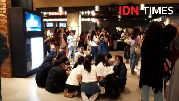"10 Potret Seru ARMY Indonesia Nonton ""BRING THE SOUL: THE MOVIE"" BTS"