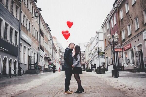 6 Alasan Kenapa Kisah Cintamu Selalu Berakhir Menyedihkan