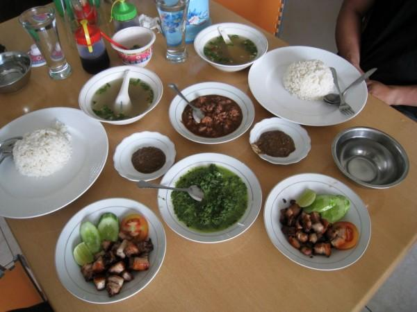 5 Rekomendasi Rumah Makan Khas Batak, Jangan Lupa Mampir