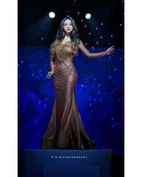 10 Potret Body Goals Dewi Perssik, Gak Kalah dari Kim Kardashian!