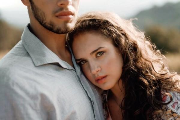 5 Cara Hindari Sikap Overthinking pada Pasangan, Tetap Rileks Please!