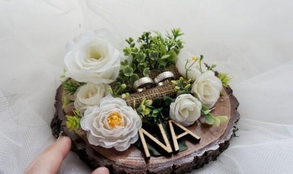10 Tempat Cincin Pernikahan Rp200 ribuan, Gak Hanya Bentuk Kotak Lho!