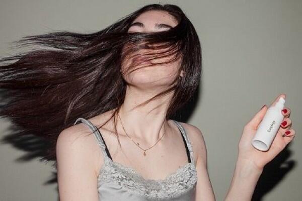 5 Tips Mengatasi Ujung Rambut yang Kaku, Mudah, dan Gak Mahal Kok!