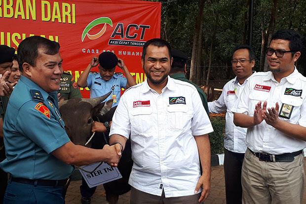 ACT Salurkan Puluhan Hewan Kurban ke TNI dan Polri