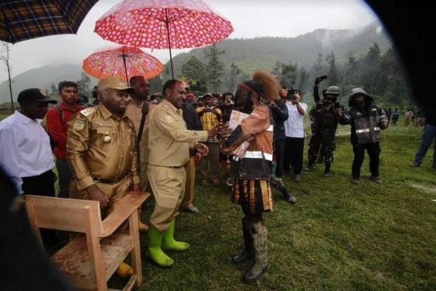 Perang Saudara di Puncak Papua Renggut 6 Nyawa, Bupati Temui Dua Kubu