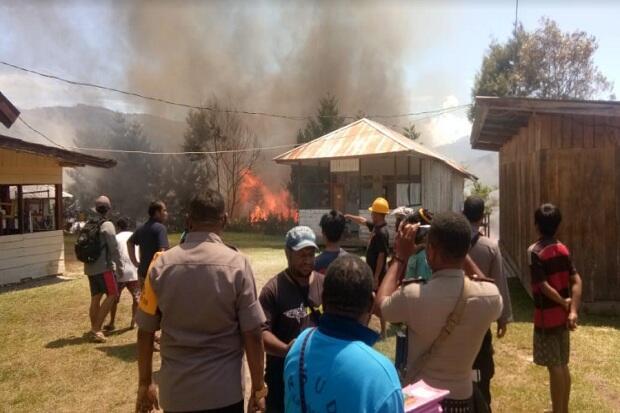 61 Kios dan 3 Rumah di Tolikara Hangus Terbakar