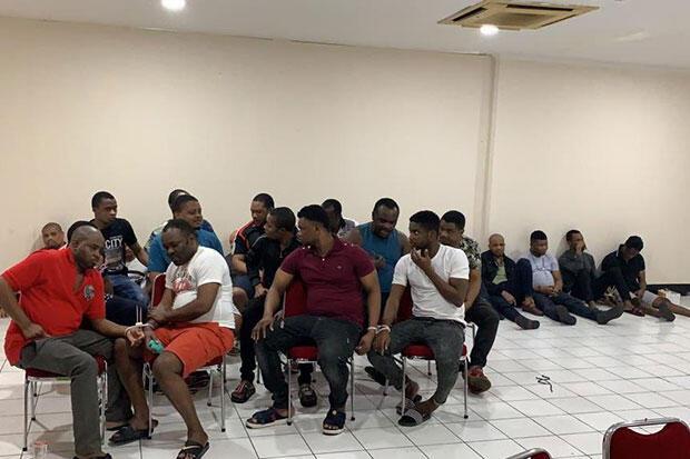 Ngumpet di Apartement Mewah, 24 Imigran Diciduk Imigrasi Jakbar