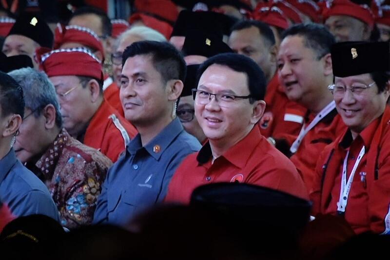 Megawati Perkenalkan Ahok di Kongres Banteng