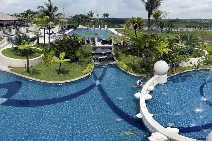5 Kolam Renang Di Semarang Yang Cocok Untuk Keluarga. Nyebur Bareng Gan!