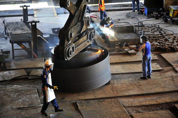 Sri Mulyani perpanjang aturan bea impor pelat baja dari 3 negara