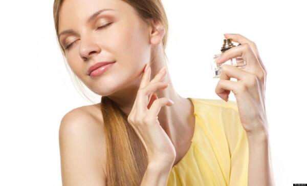 5 Tips Memilih Parfum yang Tepat dan Awet untuk Wanita, Gak Sulit!