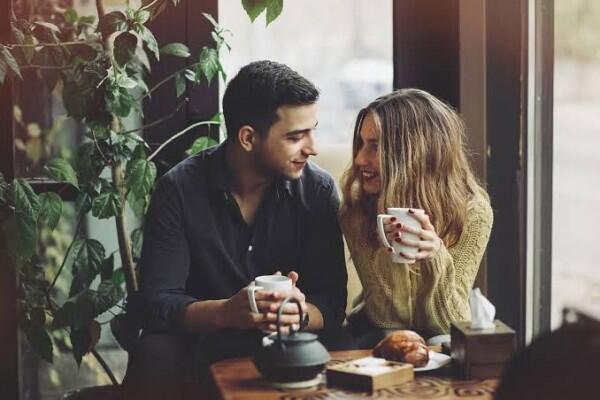 5 Tanda Ini Mengisyaratkan Kalau Dia Sudah Mulai Jenuh dengan Kamu