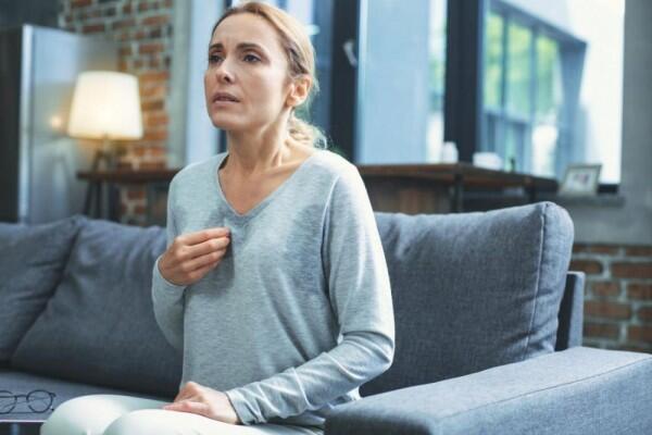 Bukan Gerah Cuma Suhu Kamar, Ini 10 Alasan Kamu Berkeringat saat Tidur