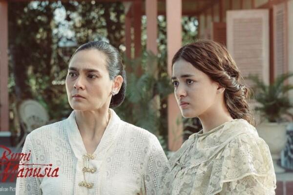 Sontek 7 OOTD Mawar Eva, Pemeran Annelies di Film 'Bumi Manusia'