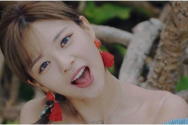 5 Alasan Jung Yeon Layak Disebut Guardian Angel of TWICE