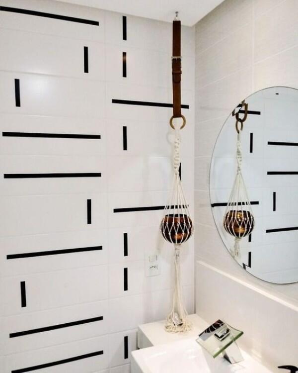 Cuma Modal Selotip Hitam, Ini 10 DIY Wall Sticker untuk Kamar Kosmu!