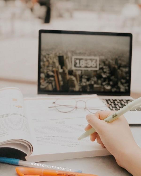 8 Tips Praktis Meningkatkan Fokus Saat Belajar, Mudah Banget!