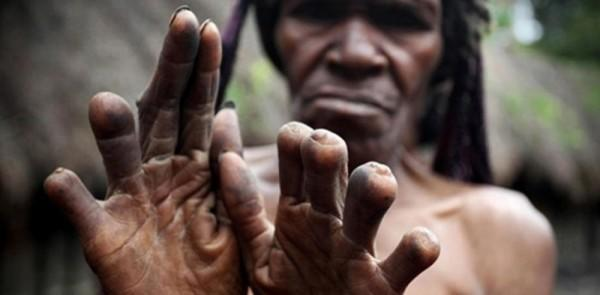10 Tradisi Unik Masyarakat Adat Khas Indonesia yang Masih Eksis