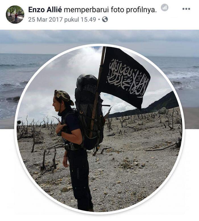 Enzo Zenz Allie Hizbut Tahrir? Adakah Kewajiban Mendirikan Khilafah dalam Islam?