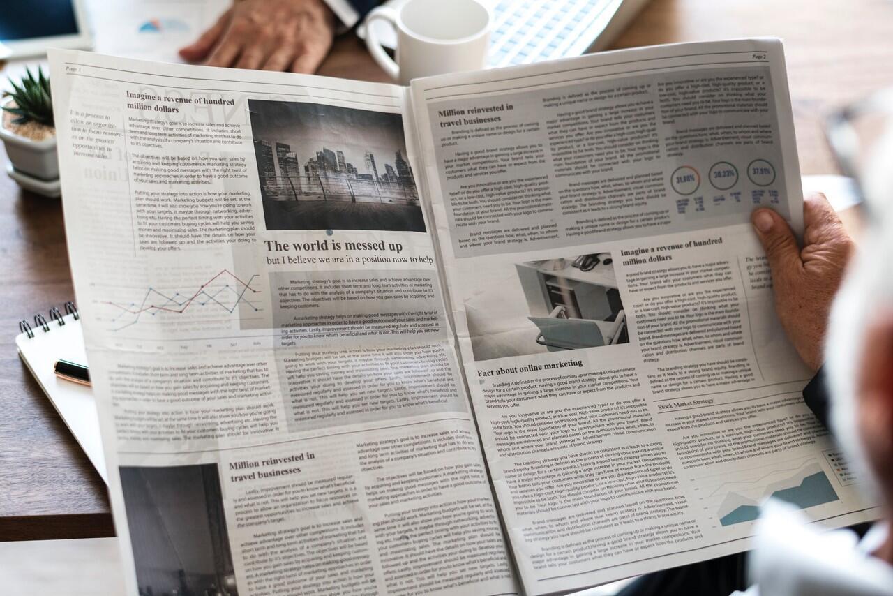 Teks Editorial: Defisini, Manfaat, Fungsi, Ciri-ciri, Struktur dan Jenis