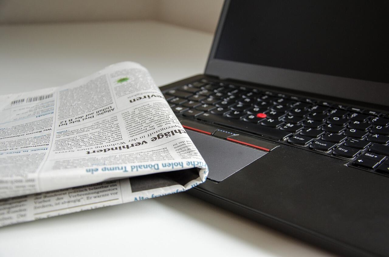 Teks Editorial: Defisini, Manfaat, Fungsi, Ciri-ciri ...