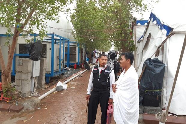 Panas Terik, Hujan Tiba-tiba Guyur Padang Arafah saat Jutaan Jamaah Lakukan Wukuf