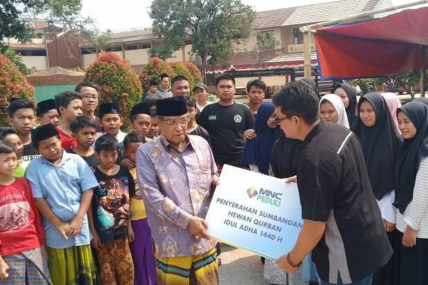 MNC Peduli Salurkan Kurban ke Pesantren Luhur Al-Tsaqafah dan Polres Jaktim