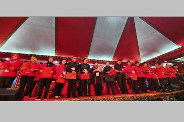 Hasto Tetap Sekjen, Megawati Tunjuk Risma Ketua DPP PDIP