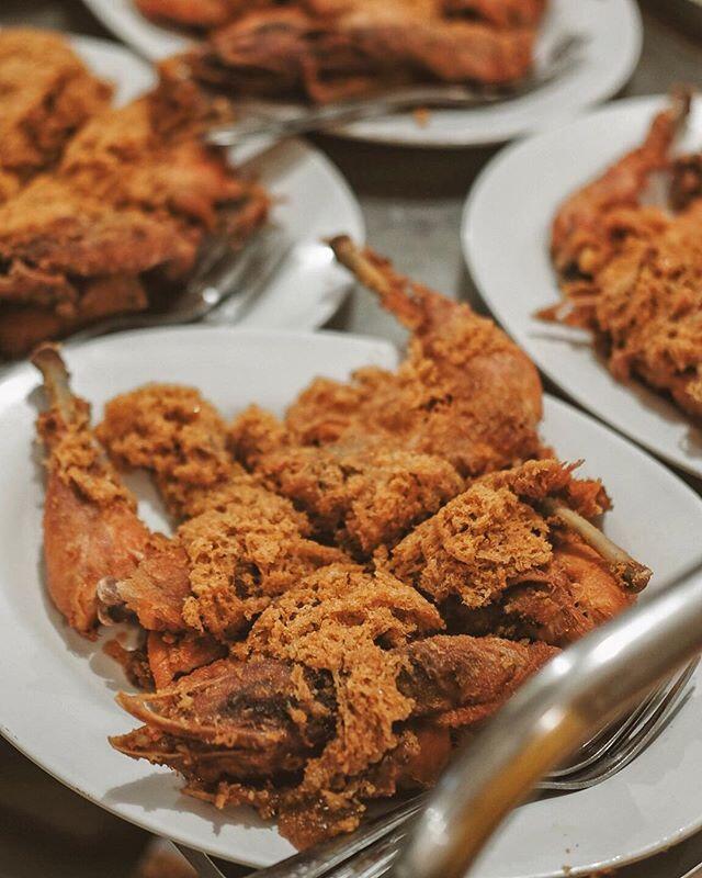 Enak Tenan! Ini 7 Ayam Goreng Legendaris Wajib Coba di Jogja