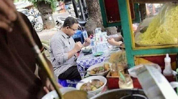 Anies Baswedan Ketahuan Makan Soto di Pinggir Jalan, Begini Pesan Ustadz Yusuf Mansur