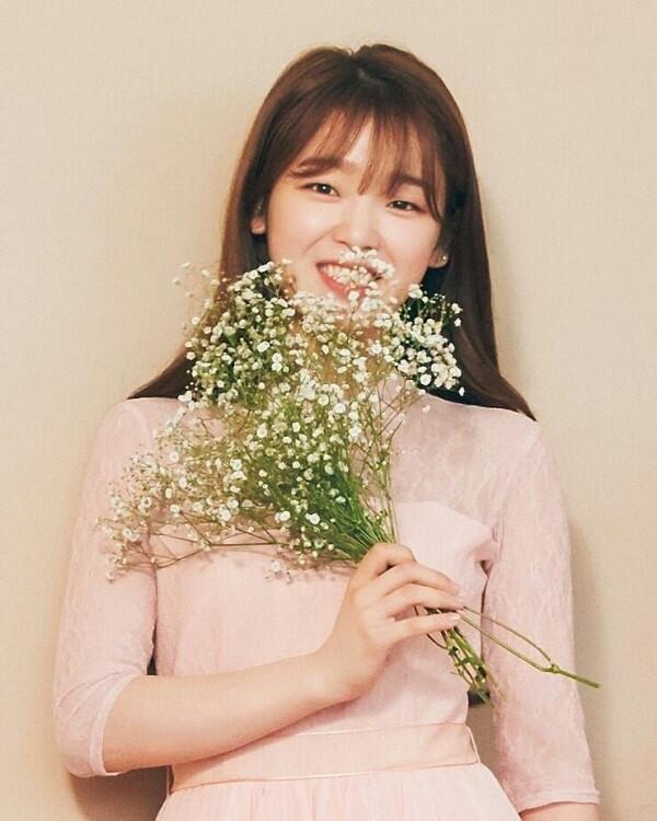 Eksis Sejak Usia 11 Tahun, 9 Potret Seung Hee Oh My Girl yang Memesona