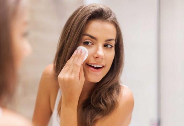 6 Langkah Skincare Malam yang Bikin Wajah Kamu Glowing!